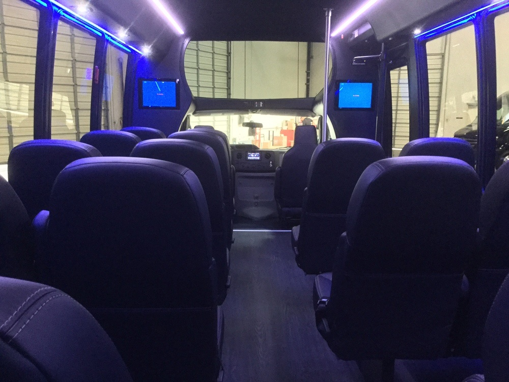 Get a Shuttle Bus Rental in New Jersey for Your Trips